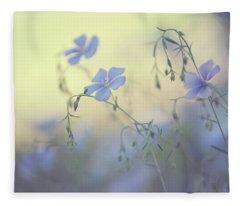 Blue Flex Flower. Nostalgic Fleece Blanket