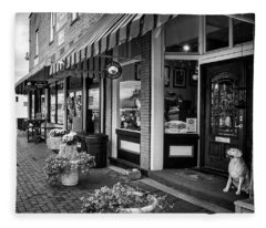 Blue Ridge Love Dogs In Black And White Fleece Blanket