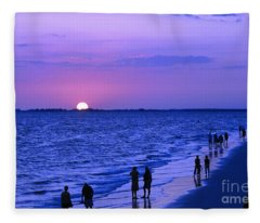 Blue Sunset On The Gulf Of Mexico At Fort Myers Beach In Florida Fleece Blanket