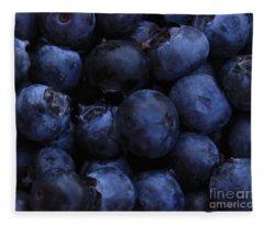 Blueberries Close-up - Horizontal Fleece Blanket