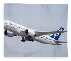 Boeing 787-8 N787za Mesa Gateway Airport November 11 2011 Fleece Blanket