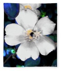 Bright Blue Accents White Vinca Fleece Blanket