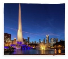 Buckingham Fountain At Dusk Fleece Blanket