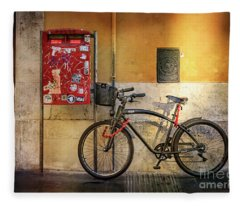 Cafe Racer Bicycle Fleece Blanket