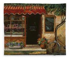 caffe Re Fleece Blanket