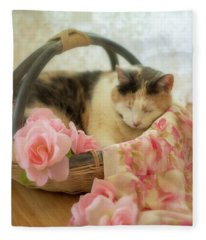 Calico Kitty In A Basket With Pink Roses Fleece Blanket