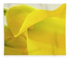 Calla Lily In Yellow Fleece Blanket