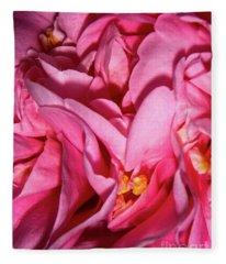 Camellia Close Fleece Blanket