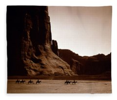 Canyon De Chelly 2c Navajo Fleece Blanket