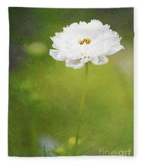 Charming White Cosmos Fleece Blanket