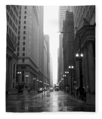 Chicago In The Rain 2 B-w Fleece Blanket