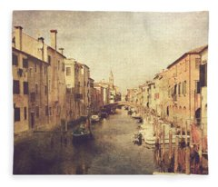 Chioggia Fleece Blanket