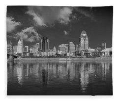 Cincinnati Ohio Black And White 2017 Fleece Blanket