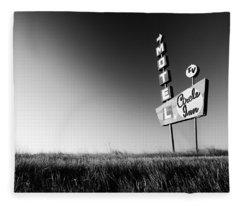 Circle Inn Fleece Blanket