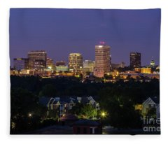 Columbia Skyline At Twilight Fleece Blanket