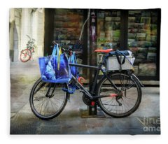 Commuter Shopping Bicycle Fleece Blanket