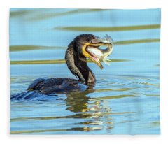 Cormorant With Fish 5461-112617-2cr Fleece Blanket