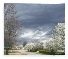 Country Club Circle Fleece Blanket