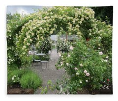 Cream-colored Roses With Your Coffee Fleece Blanket