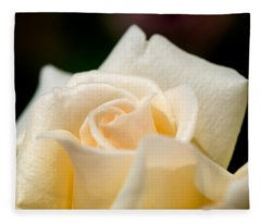 Cream Rose Kisses Fleece Blanket