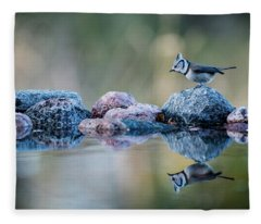 Crested Tit's Reflection Fleece Blanket