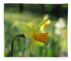 Daffodil Side Profile Fleece Blanket