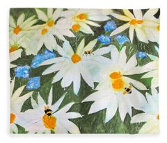 Daisies And Bumblebees Fleece Blanket