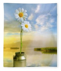 Daisies In The Summer Morning Fleece Blanket