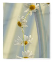 Daisy Chain Fleece Blanket