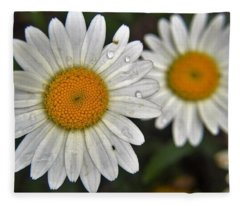 Daisy Dew Fleece Blanket