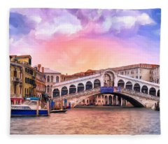 Dawn Light At Rialto Bridge Fleece Blanket