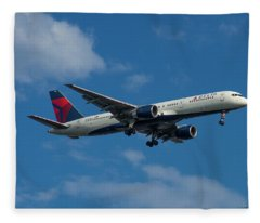 Delta Air Lines 757 Airplane N668dn Fleece Blanket