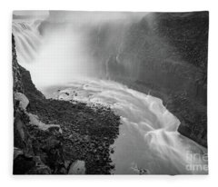 Dettifoss Flow Fleece Blanket