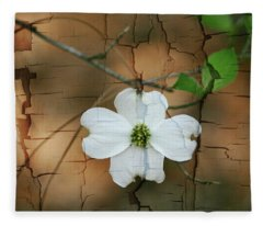 Dogwood Bloom Fleece Blanket
