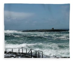 Doolin Waves Fleece Blanket