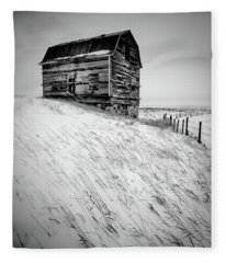 Dutch Barn In Winter Fleece Blanket
