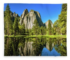 Early Morning View At Cathedral Rocks Vista Fleece Blanket