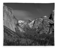 El Capitan And Half Dome Fleece Blanket