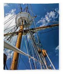 Elizabeth II Mast Rigging Fleece Blanket