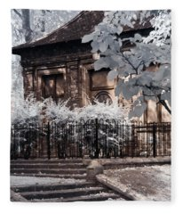 English Garden House Fleece Blanket