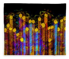 Essence De Lumiere Fleece Blanket