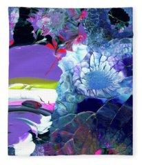 Exotic White Rose Island Fleece Blanket