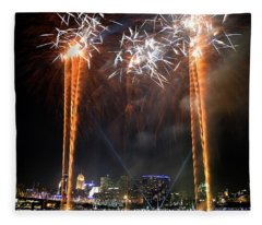 Fireworks Over Cincinnati Fleece Blanket