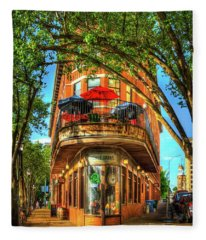 Flatiron Style Pickle Barrel Building Chattanooga Tennessee Fleece Blanket