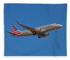Flying In American Eagle Embraer 175 N426yx Fleece Blanket