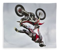 Flying Inverted Fleece Blanket
