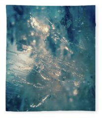 Fractured Crystal Fleece Blanket