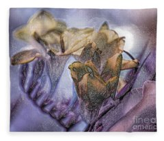 Freesia Carved One Fleece Blanket