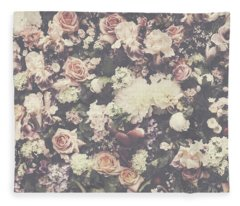 Fresh Flower Pattern Background Fleece Blanket