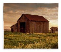 Galt Barn At Sunset Fleece Blanket